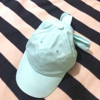 Tosca Ribbon Caps