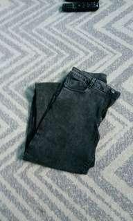 BERSHKA 100% ORIGINAL Celana Jeans (Harga belum termasuk Ongkir)
