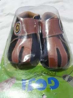 #jualanibu sepatu bayi