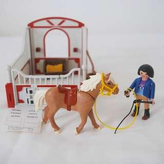 Playmobill brown horse and stable (Playmobil 5107)