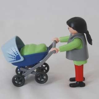 Playmobil woman with pram (Playmobil 4756)