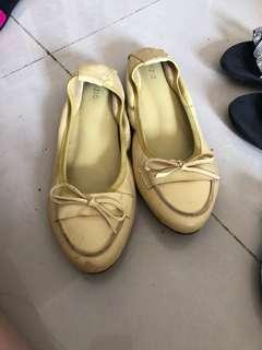 Sepatu Flat Shoes Kuning (Nyaman Banget)