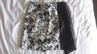 Finders keepers boutique BNWT floral skirt