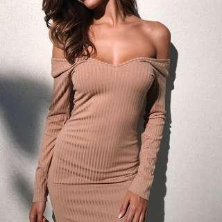 V NECK RIBBED MIDI BODYCON DRESS