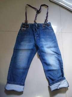 #jualanibu celana jeans merk handsome boys. Utk umur 2-3thn