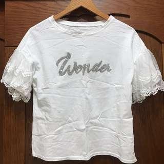 🚚 鑲鑽英文字母蕾絲袖白色上衣