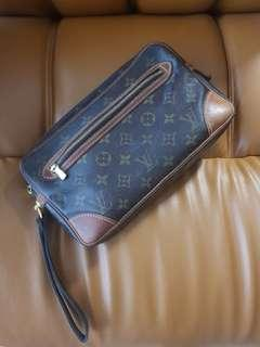 Preloved Authentic Pouch LV for Men & Women