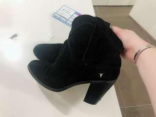 Cow leather Boots