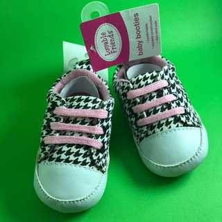 #momjualan Luvable Friends Baby Booties