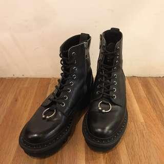 Neil Barrett boots 鼻環靴