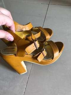 VNC Sepatu Hak Tinggi Kuning High Heels Yellow