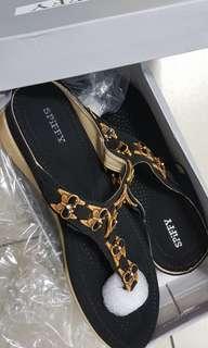 Brand new Spiffy sandals