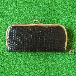 Vintage black crocodile skin purse wallet