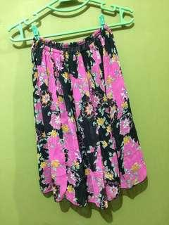 Black pink floral flitted skirt