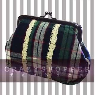 出口貨尾 100%NEW深緑色格仔零錢包或化妝包  DP.Green Plaid Coin Purse / Cosmetic Pouch