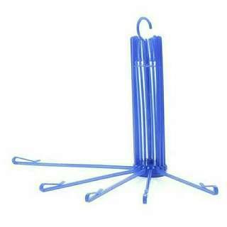 Folding hanger 20 stick