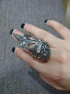 Pointed Hinged Ring