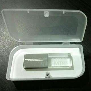 Brand New MDIS USB thumb drive 4GB