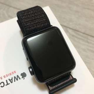 🚚 Apple Watch series 3 LTE 42mm 太空灰錶殼搭配黑色運動型錶環
