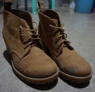 H&M | Divided | Wheat Heeled Boots