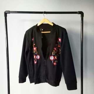 Bomber black flowers mayoutfit