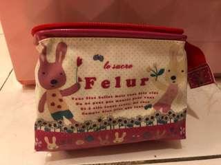 🚚 全新Le Sucre 法國兔 砂糖兔 防水化妝包 收納包 可直立化妝包 尺寸:上14 下16 底寬6 高14
