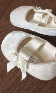 HnM white shoes