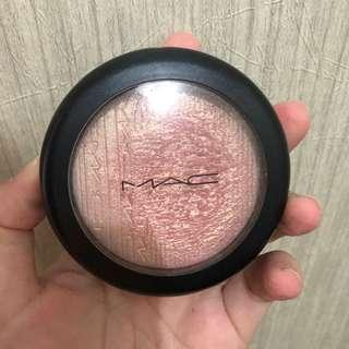 MAC Beaming Blush Highlighter
