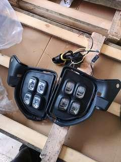 Set LED FOG lamp with COVER HIACE COMMUTER