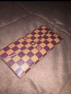 **REDUCED** LV wallet