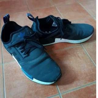 Used mens running casual shoe  sneaker