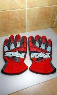 Fox Motorbikes or Mountain Bikes Racing Gloves.