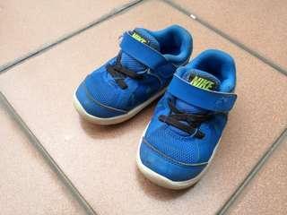 Preloved Nike kids shoe