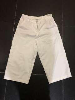 Bossini white wide leg 3/4 pants siZe 29