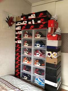 Stackable shoe display boxes