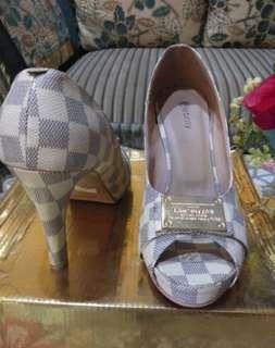 888 heels LV