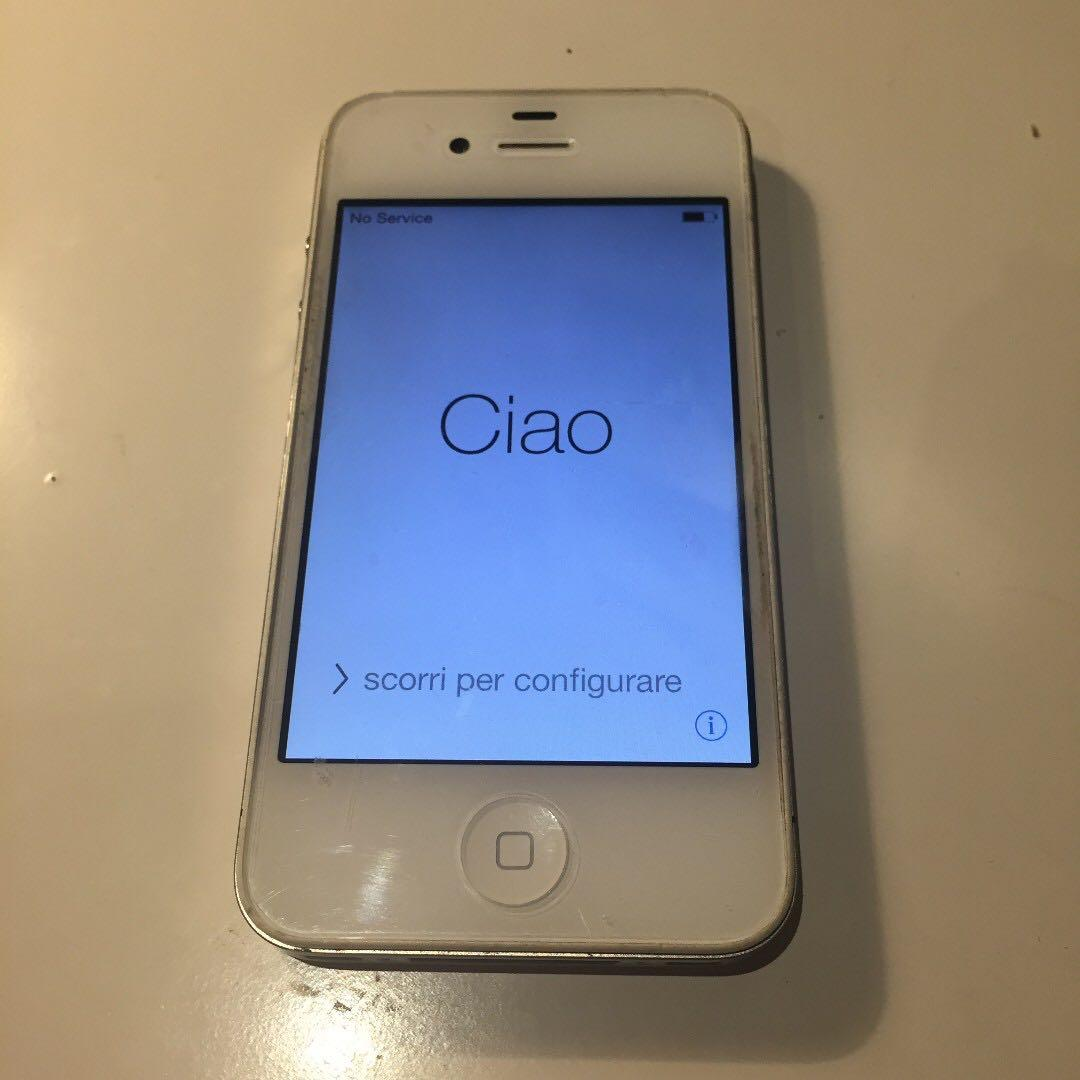 Apple iPhone 4 - 8GB - White (with charging cable & new case)