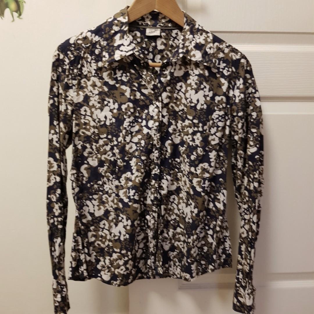 4df06f0c1 Esprit women's shirt/blouse, Luxury, Apparel, Women's on Carousell