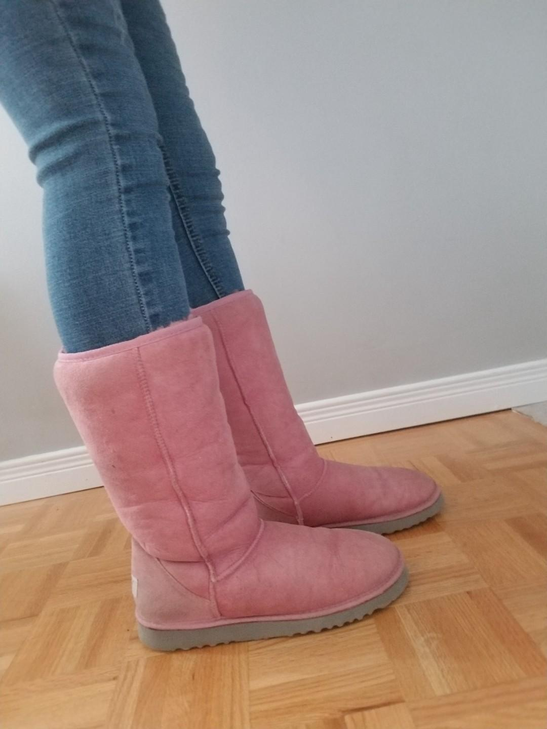 Pink Classic Tall Uggs Size 8 Good Condition