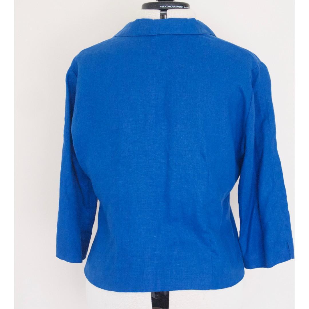 True Vintage Australian Walnut Hill Cropped Blue Linen Blazer