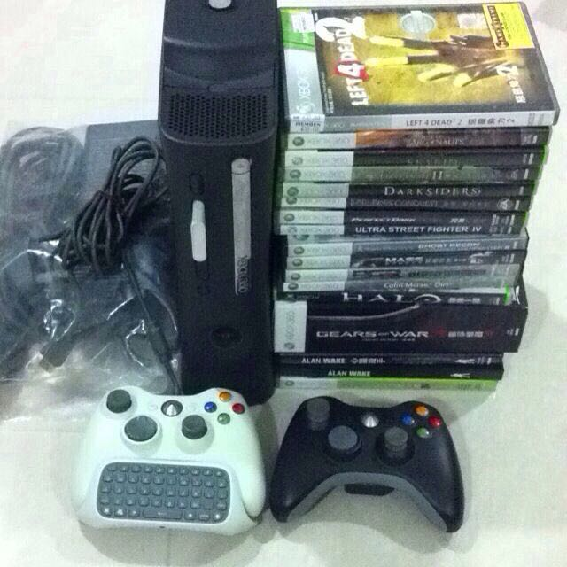Xbox 360 120GB HDD with Controllers + 16 Games