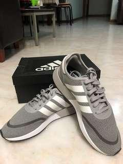 Authentic adidas shoes N5933