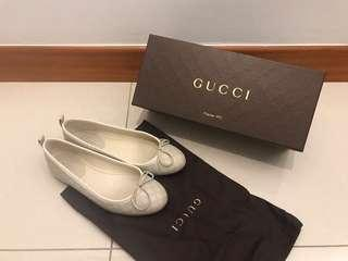 dcaba80f6 Authentic Gucci Microguccissima Leather Flats