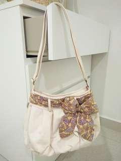 Sling bag #BFfashion