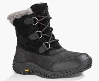 Ugg Ostrander Short Boot (Black, size 9)