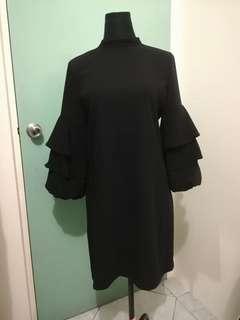 SM Woman Black Dress
