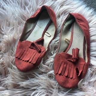 Burnt Orange Faux Suede Moccasin Shoes/Ballet Flats   Size 37 / 6au   Some evidence of wear (pictured) so selling for just $5 + postage