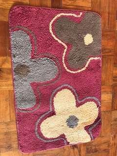 Bathroom rug carpet