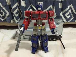 Transformers MP-4 Convoy Optimus Prime (Battle Damage)