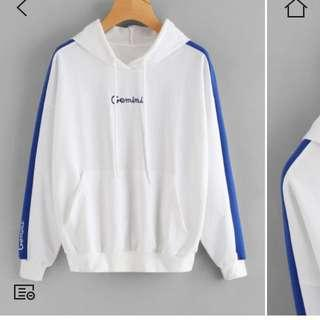 💕White and blue hoodie